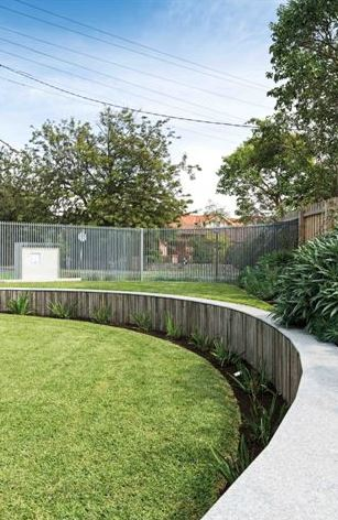 curved retaining wall2
